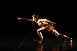 Ímpeto - Solo contemporâneo Bailarino: Paulo Victor Souza 3º lugar e indicação a Bailarino Revelação